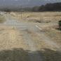 前面道路は砂利です
