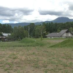 八ヶ岳に別荘を買う、高級別荘地隣接で雰囲気が良い、土地408.68坪、茅野市豊平広見区画3