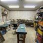 現在は陶芸の工房として使用しています